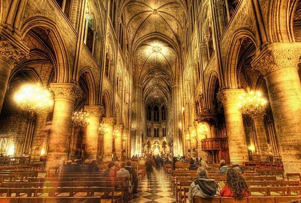 Galería de Stuck in Customs - The Golden insides of Notre Dame