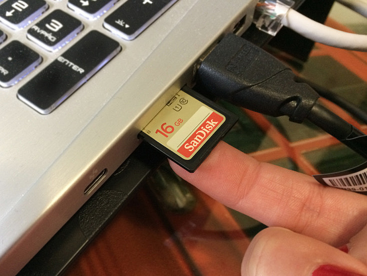 3 cuidados de lector de tarjetas de memoria