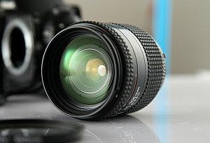 la óptica en una cámara de fotos