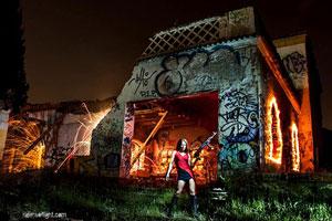 Fotografía Nocturna de Larga Exposición: Un Interesante Ejemplo de Lightpainting con Pirotecnia