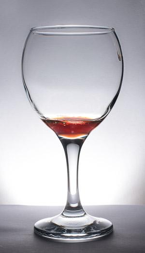 Copa de cristal con resultado particular