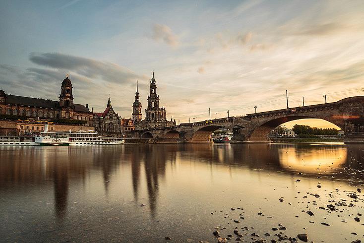 Mismo lugar en Dresde, sin embargo, ahora estamos ante la puesta de sol. La escena cambia completamente.