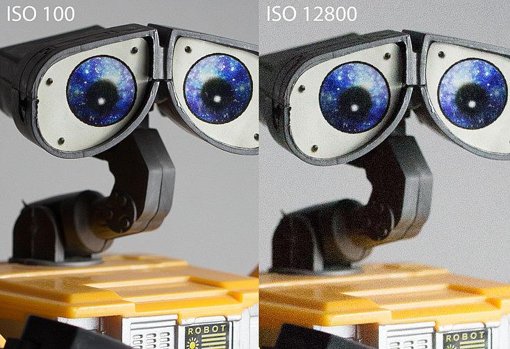 A la izquierda vemos la foto hecha a ISO 200 y a la derecha la misma foto a ISO 12800. Como podemos observar, aunque es cierto que con el tamaño completo de la imagen apenas notamos diferencia, al ampliar encontramos un empeoramiento de la imagen al aparecer mucho ruido y un poco de pérdida de contraste y detalles.