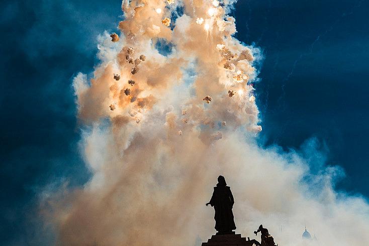9 Consejos para Fotografiar Fiestas con Fuego, Chispas y Humo