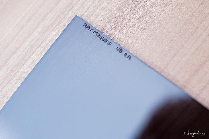 Filtro RAY Masters ND 8R: Filtro degradado de densidad neutra (ND) de dos pasos (8) inverso (R).