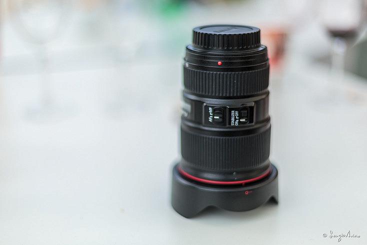 El objetivo Canon 16-35mm f/4 IS tiene estabilizador. Al principio pensaba que en un angular no era necesario, pero tras varios años con él me ha servido en multitud de ocasiones.