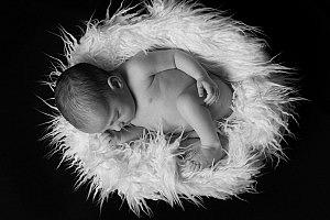 Recién nacida en BN - Portada